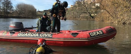Guardia Civil rescate en el Ebro
