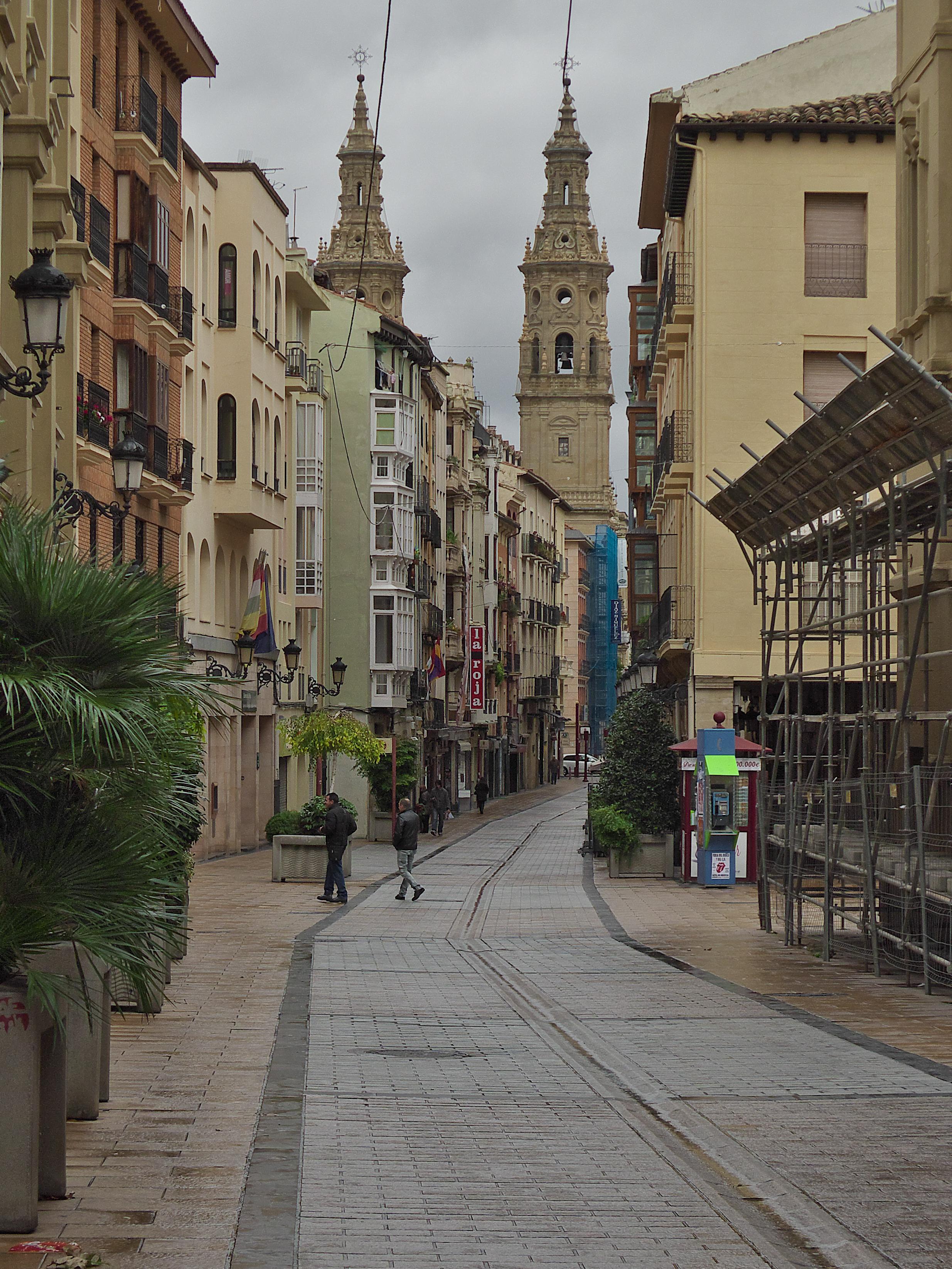 La gentrificaci n del casco antiguo en logro o la ciudad como espacio de consumo - Cristalerias en logrono ...